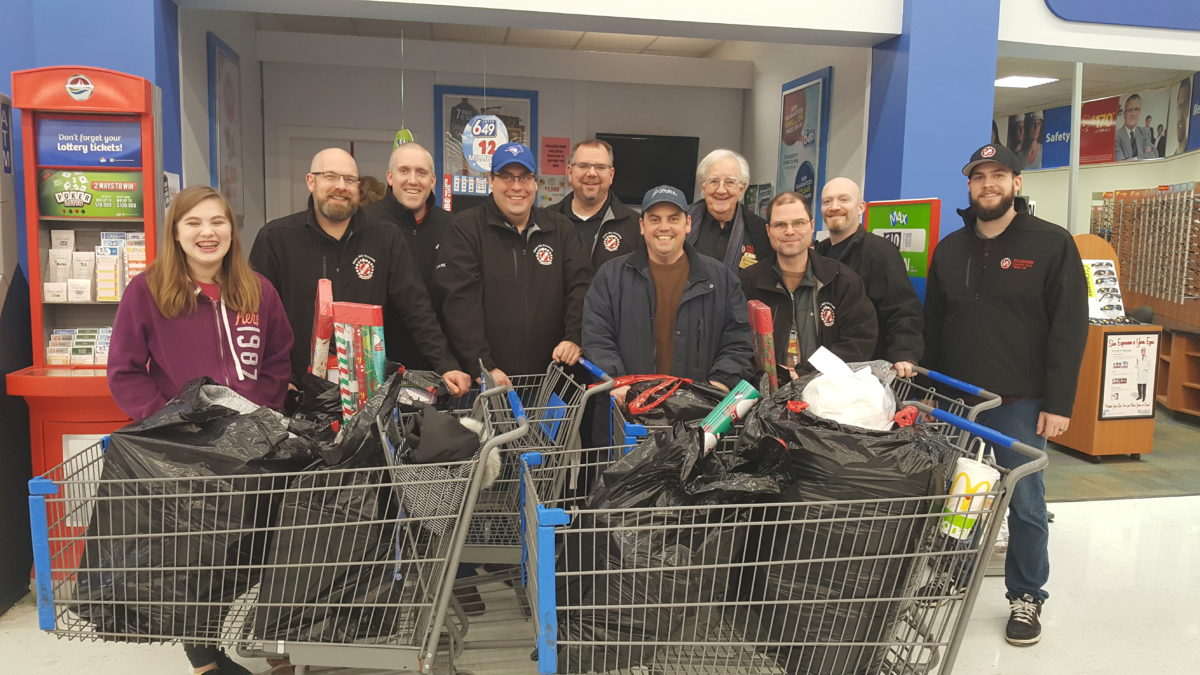 Kinsmen go shopping for the local Christmas Index Program